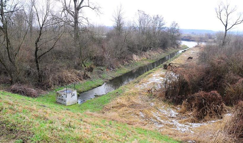 Teren Wiśnicza to właściwie dwa zabudowania, kilku mieszkańców i około 150 hektarów gruntów