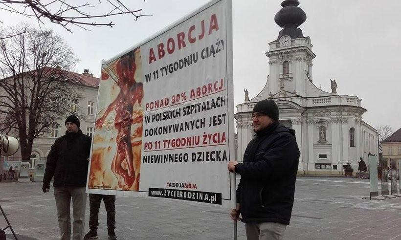 Będzie kolejna pikieta w Wadowicach przeciwko aborcji. Obrońcy życia nie przestraszyli się szykan