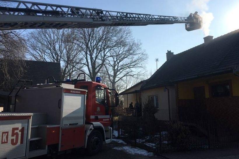 Pożar sadzy rozsadzał komin. Strażacy znowu interweniowali