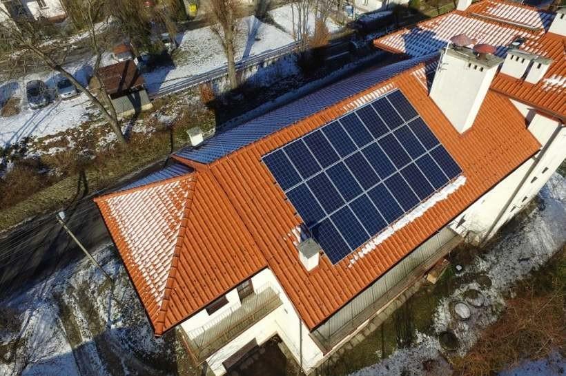 W tej gminie mają plan, by na każdym swoim budynku zainstalować ekologiczne panele
