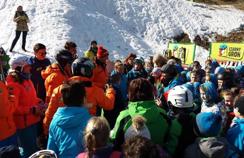 Dzięki tej gminie ponad 150 dzieci nauczyło się jeździć na nartach!