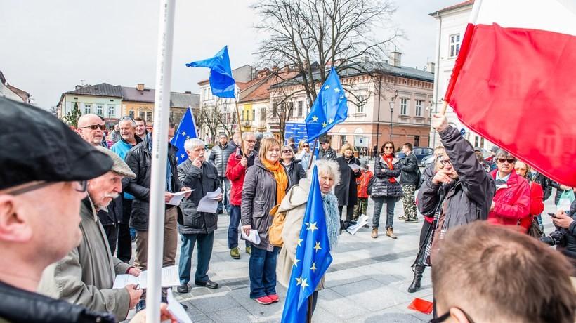 Happening zorganizowano w Wadowicach na rynku