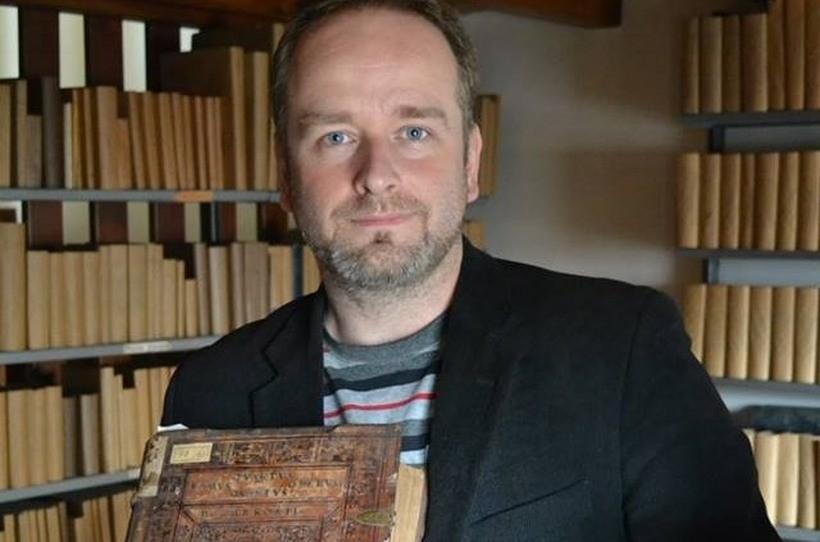 """Projekt zainauguruje wykład dr. Tomasza Graffa, opiekuna naukowego """"Wadowickiej Szkoły Genealogów"""