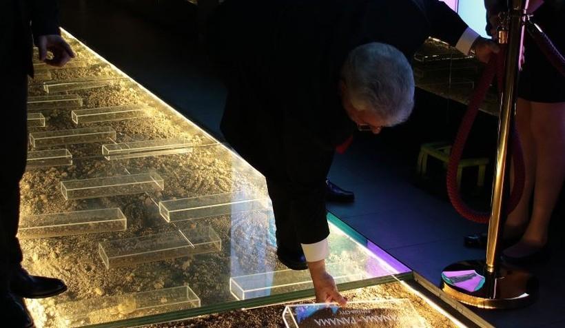 Muzeum Papieskie zgromadziło ziemię już z 90 krajów świata