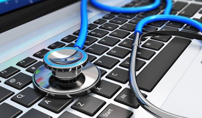 W dobie mediów społecznościowych i najnowszych technologii relacja pacjent-lekarz przenosi się w nieco inny wymiar