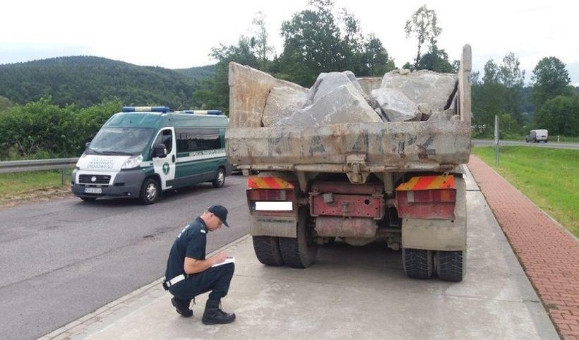Po tym co wiemy o stanie ciężarówki, można powiedzieć, że inspektor wiele ryzykował