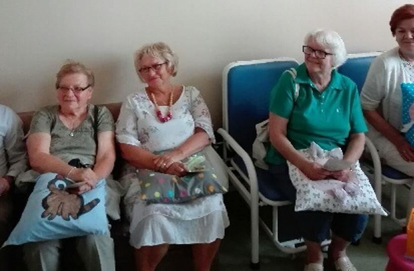 Podusie trafiły na geriatrię i oddział dziecięcy