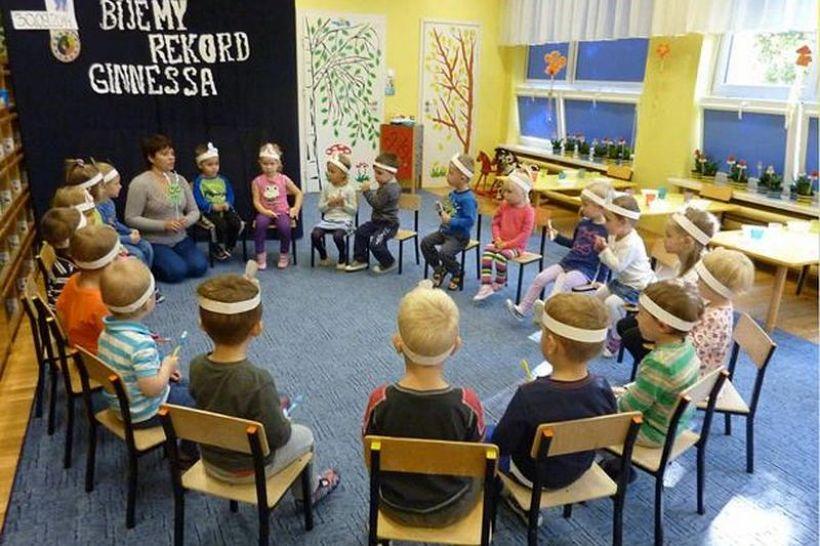 Grupa Misie z przedszkola na os. Kopernika w Wadowicach bierze udział w konkursie  Akademia Aquafresh