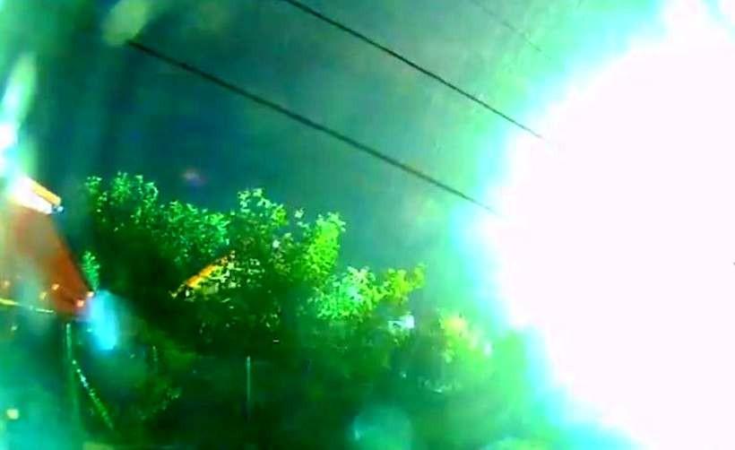 Piorun uderzea w linię energetyczną lub telefoniczną w Targanicach