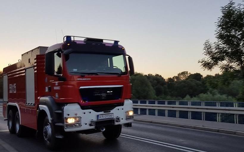 Strażacy, policjanci i lekarze, znowu ratowali kierowców z opresji