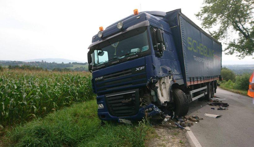 Ciężarówki zderzyły się na drodze w Witanowicach