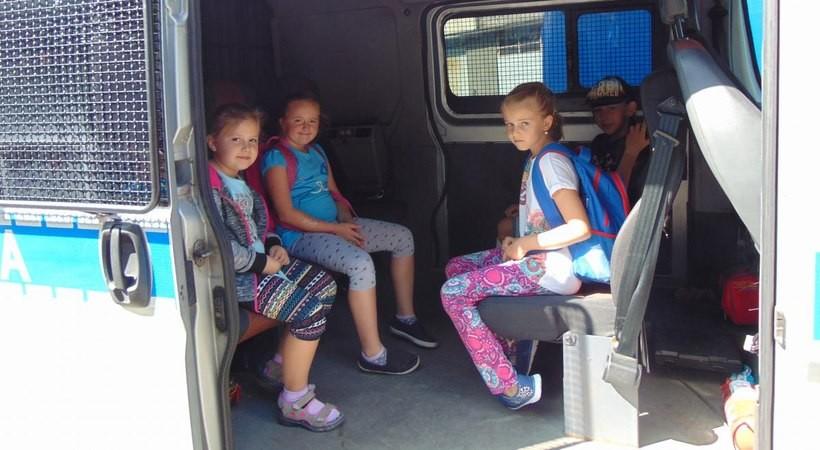 Na zakończenie dzieci miały okazję zobaczyć... samochód policyjny.