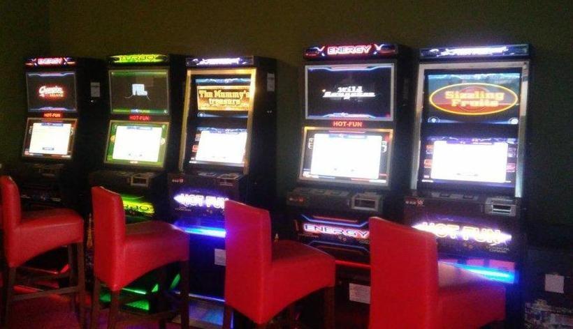 Quizomaty to tak naprawdę tradycyjneyjne maszyny do gier hazardowych ze zmienionym oprogramowaniem