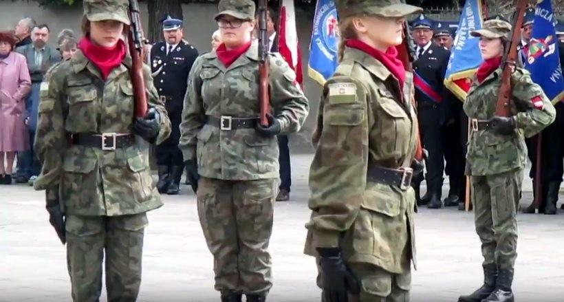 W powiecie wadowickim klasy mundurowe z powodzeniem działają w ZDZ w Wadowicach i Andrychowie