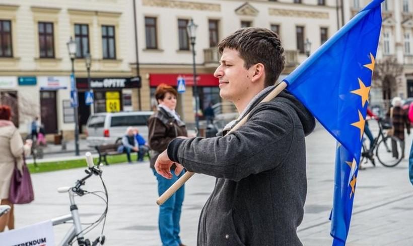 """Radny Paweł Janas weźmie udział w proteście na rynku w Wadowicach """"Jezus był uchodźcą"""""""