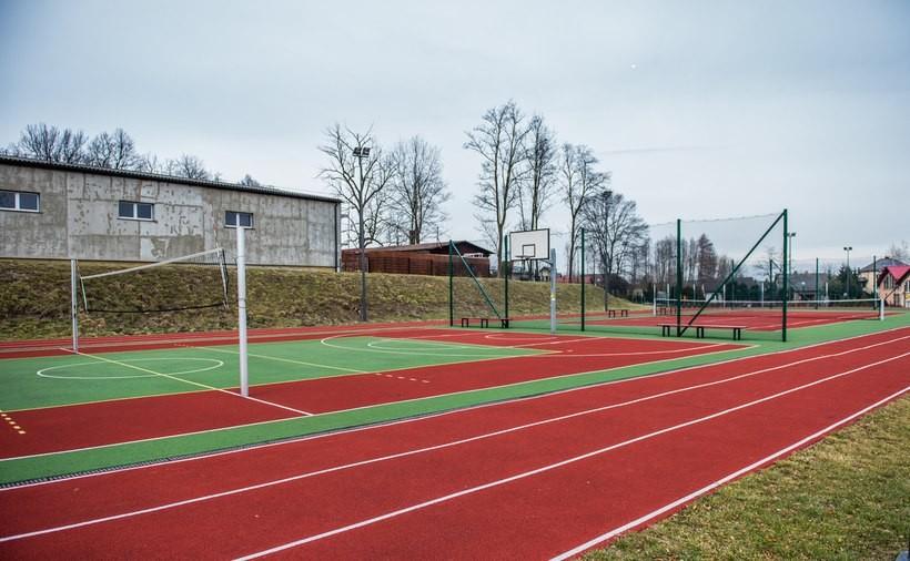 Ryczów. Tutaj gmina Spytkwoice wybudowała obiekty sportowe i wypoczynkowe. Takich stref powstanie w przyszłości więcej