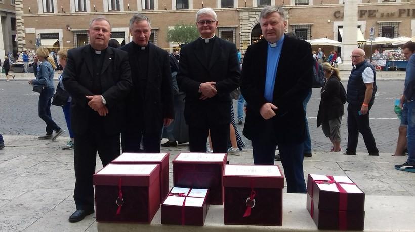 Duchowni przygotowujący proces beatyfikacyjny przekazali akta do Kongregacji Spraw Kanonizacyjnych