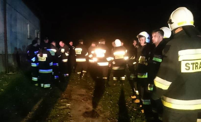Kilkudziesięciu strażaków i policjantów poszukiwało zaginionej mieszkanki Frydrychowic