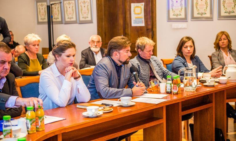 Burmistrz Klinowski przekonał w srodę radnych, że podniesienie podatków to dobry pomysł