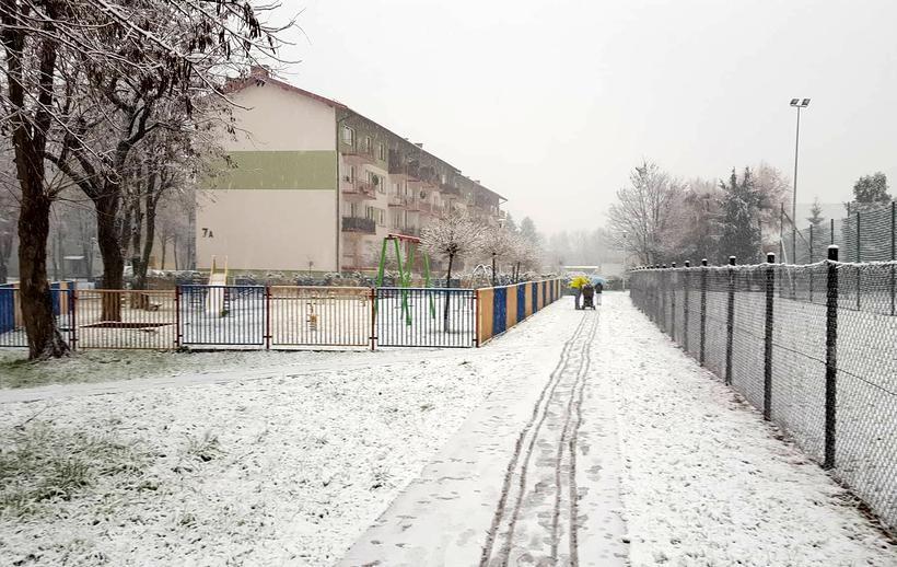 W czwartek (30.11) w Wadowicach spadł spory śnieg