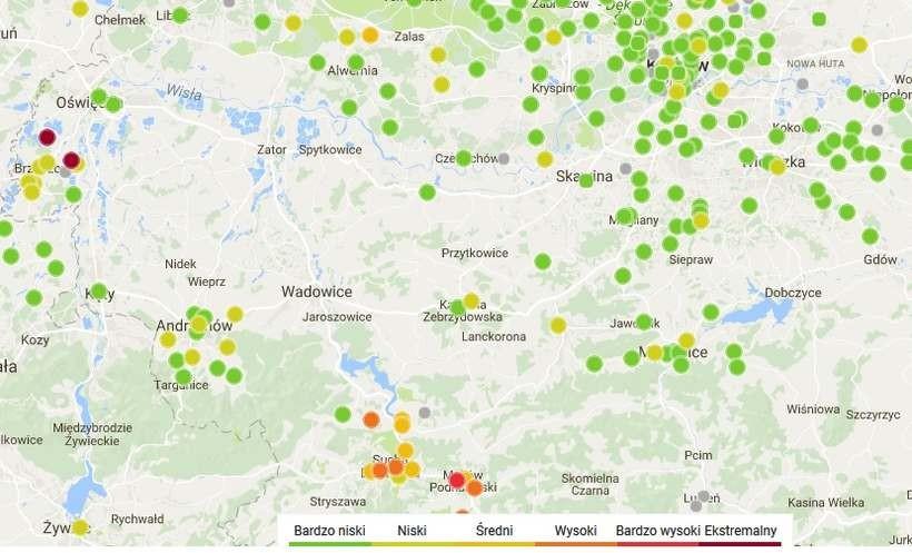 Wskaźniki jakości powietrza na zielono, nawet w Kalwarii. Stan na godz. 9.00