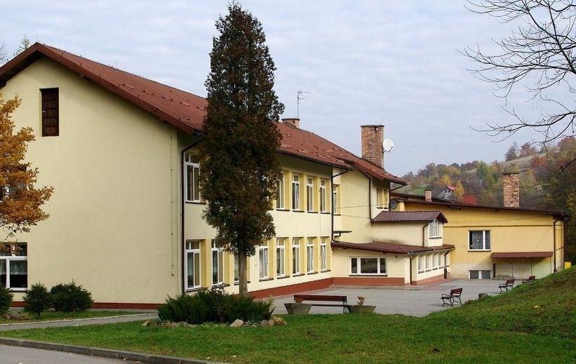 Szkoła w Skawnikach nie ma patrona