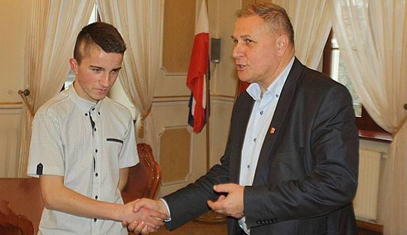 Przemek Rajda z burmistrzem Andrychowa