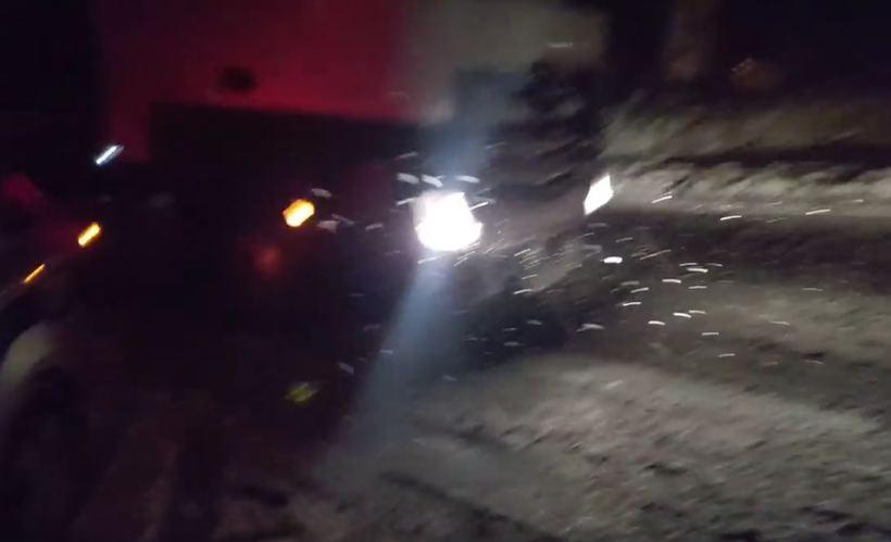 Ciężkie auto nei dało rady podjechać pod wzniesienie