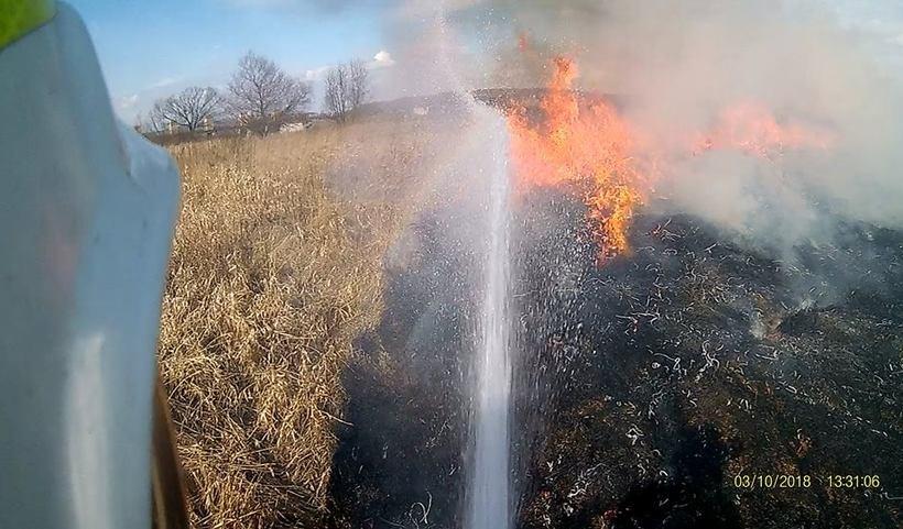 Jeden z pożarów w Łączanach widziany z perspektywy strażaka