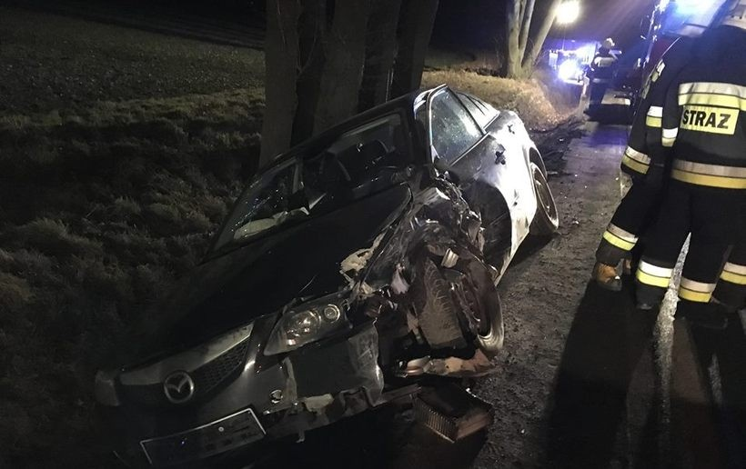 Na krajówce zderzyły się dwa samochody osobowe