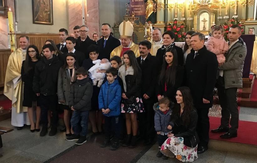 Rodzinę Nelców z Przeciszowa odwiedzili Andrzej Duda, Beata Szydło i Kard. Stanisław Dziwisz