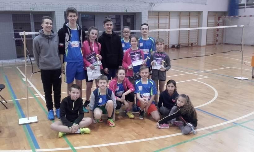 Dzieciaki z gminy Tomice znają się na badmintonie