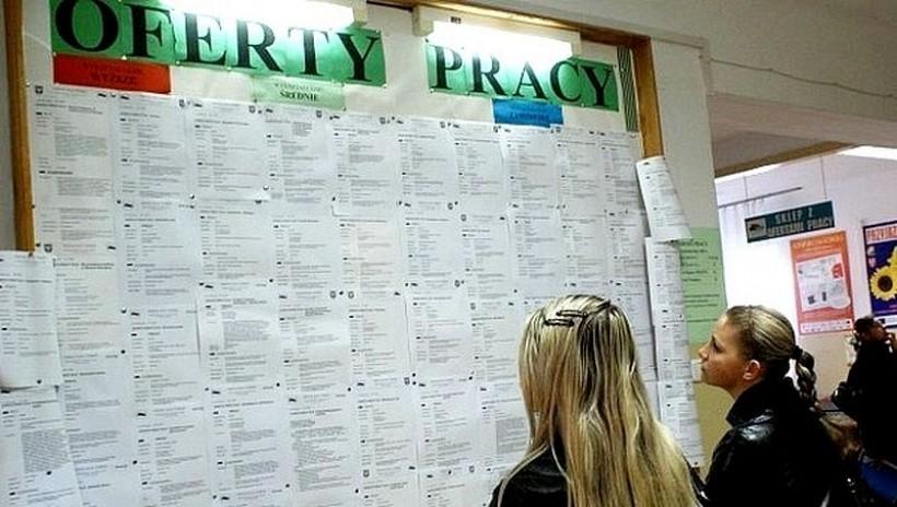 Rząd chce zatrzymać młodych w kraju. Wędka na rozwój firmy nawet 75 tys. zł