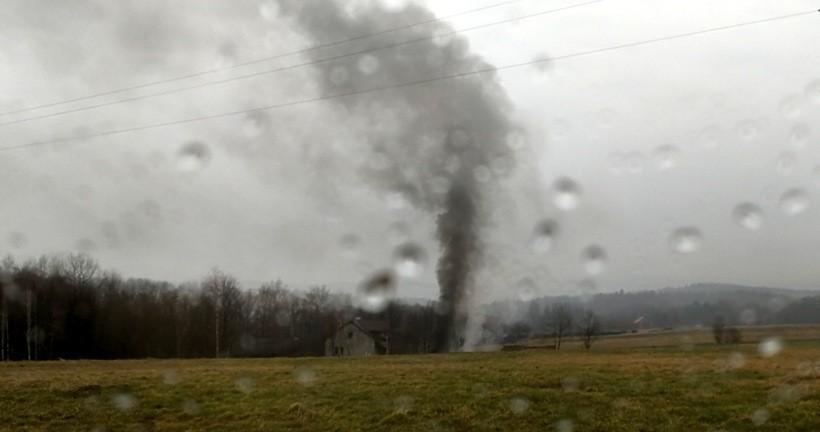 Produkcja czarnego dymu w Przytkowicach