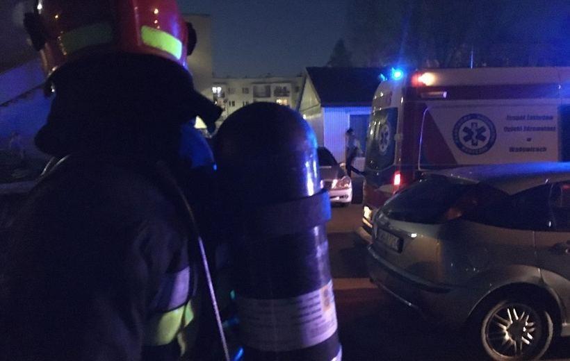 Strażacy sprawdzili piwnicę i klatki bloku