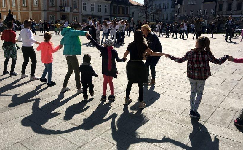 Taniec miłosierdzia na wadowickim rynku. Ludzie byli zaskoczeni