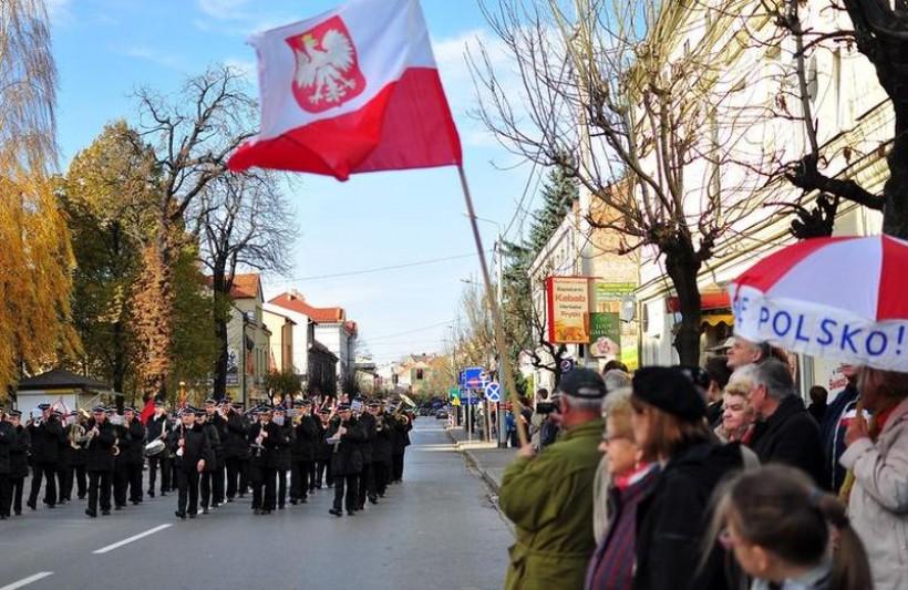 Samorządowcy zapraszają młodzież do obchodów Święta Niepodległości