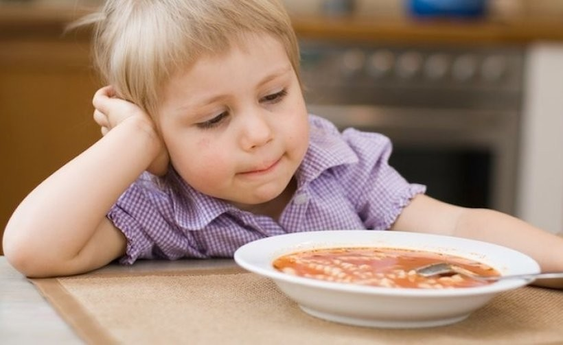 Prawda o stołówkach szkolnych? Brak komfortu dla dzieci i niedojedzone obiady