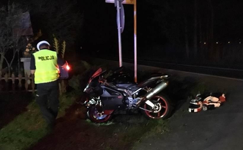 W zderzeniu lekko ucierpiał kierowca motocykla