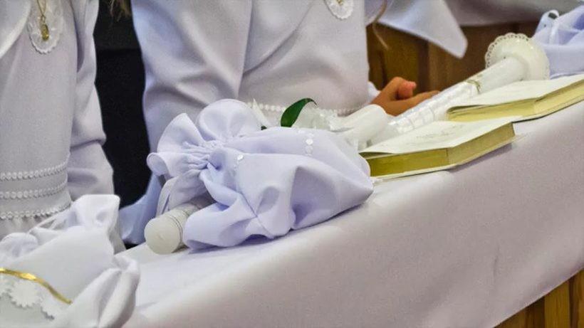 Komunie coraz bardziej przypominają wesela. Z jakimi wydatkami muszą liczyć się rodzice i goście