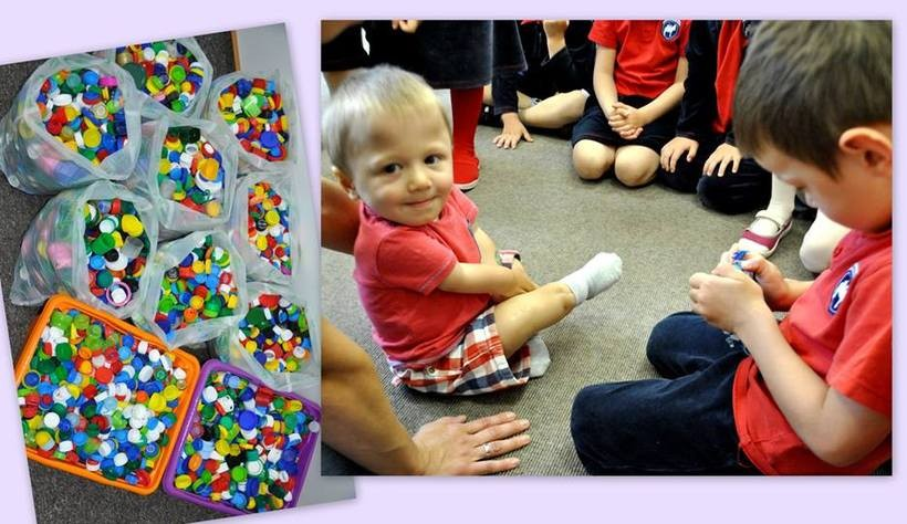 Przedszkolaki pomagają Michałkowi jak mogą