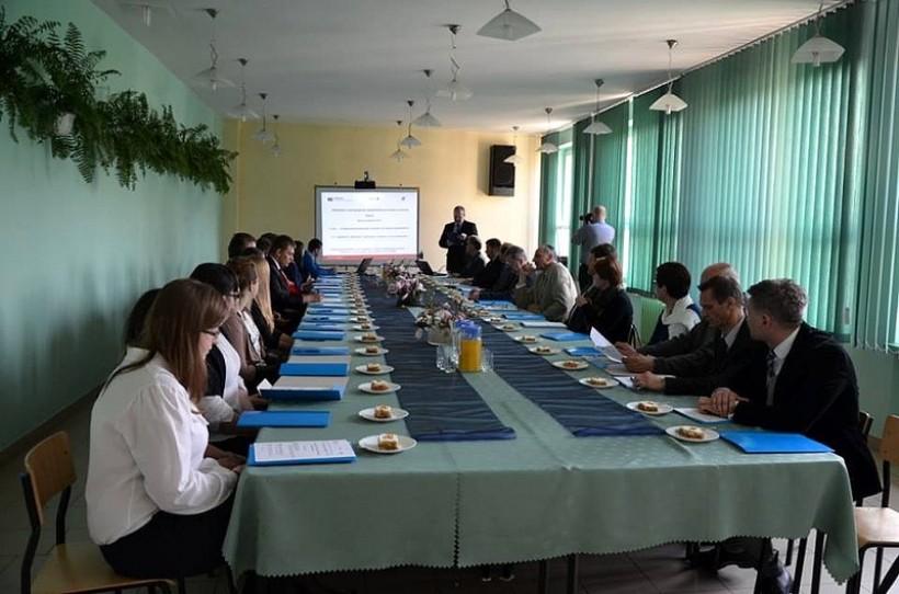 W ZS CKU w Radoczy młodzież regularnie udziela się w debatach. Na zdjęciu jedno z wcześniejszych spotkań