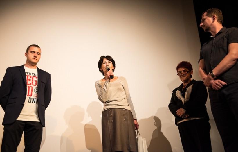 Twórcom filmu Krzysztofowi Sarapacie i Tomaszowi Kotasiowi gratulowały filmu Zofia Kaczyńska z LGD Wadoviana i burmistrz Ewa Filipiak