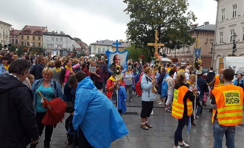 Uśmiechnięci pielgrzymi wrócili do Wadowic w czwartek (19.07).