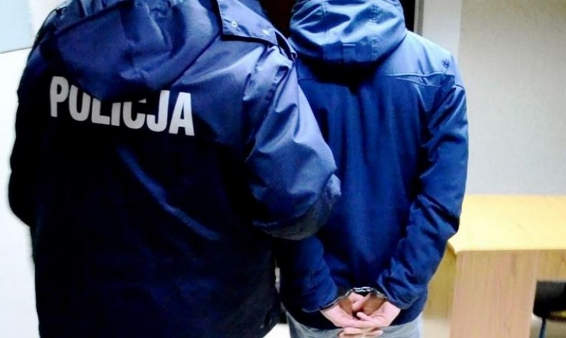 Nastoletni włamywacze wyłapani przez policję. Dowody ukryli w szkolnych plecakach