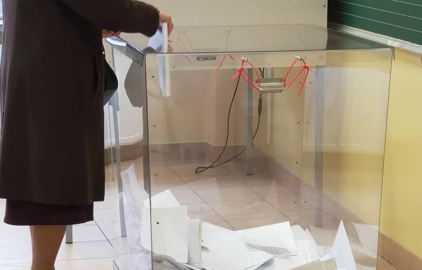 Nowością w tych wyborach są przeźroczyste urny