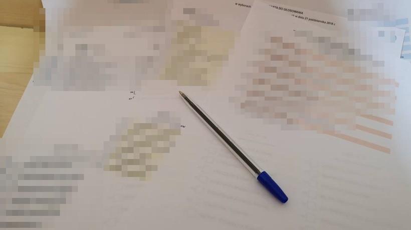 Incydent wyborczy w Stroniu. Zabrakło kandydata na liście, musieli go szybko wydrukować