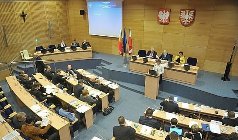 Wybory w Małopolsce wygrało PiS. Będzie rządzić w Sejmiku samodzielnie?