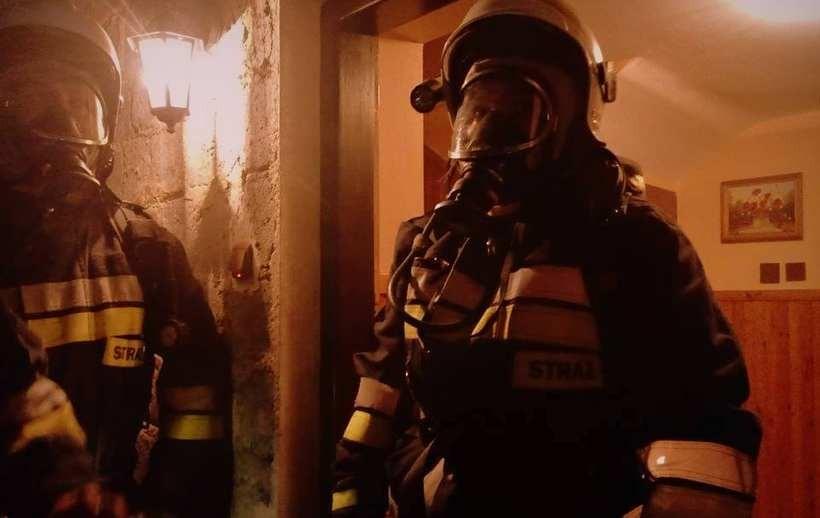 Strażacy znowu gasili pożar sadzy w kominie
