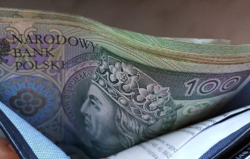 Ile pieniędzy potrzeba Polakowi, żeby czuł się bezpiecznie?